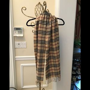 Burberry scarf in Lambswool